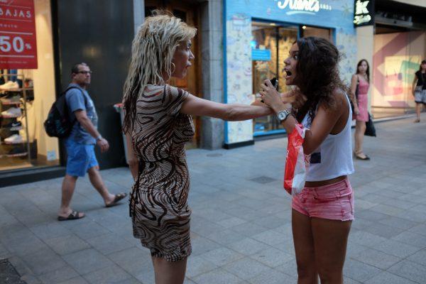pull the hairs tirar de los pelos Madrid miguel de pereda fotogenik street photography collective colectivo fotografía callejera