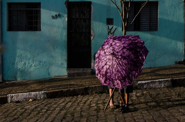 purple umbrella Raphael Valverde fotogenik collective street photography